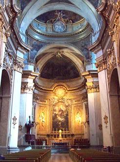 Altar de Basílica de San Miguel en Madrid