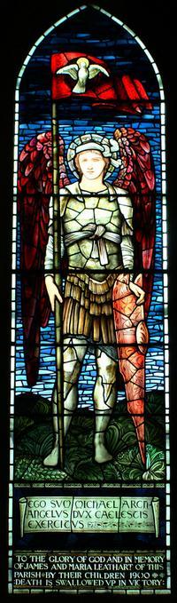 San Miguel Arcángel y el Espíritu Santo