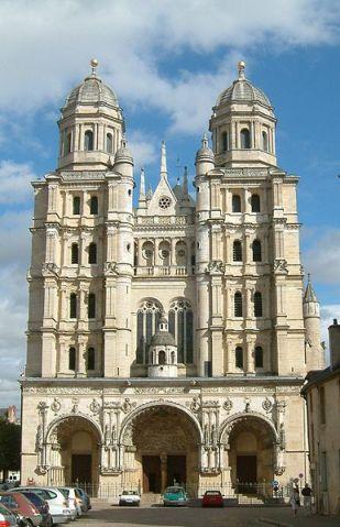 Iglesia de San Miguel Arcángel en Dijon