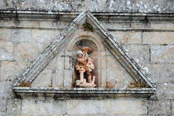 San Miguel Arcángel en lucha con el caído