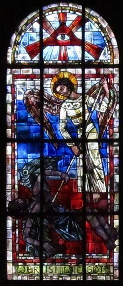 San Miguel Arcángel y el ojo de la providencia