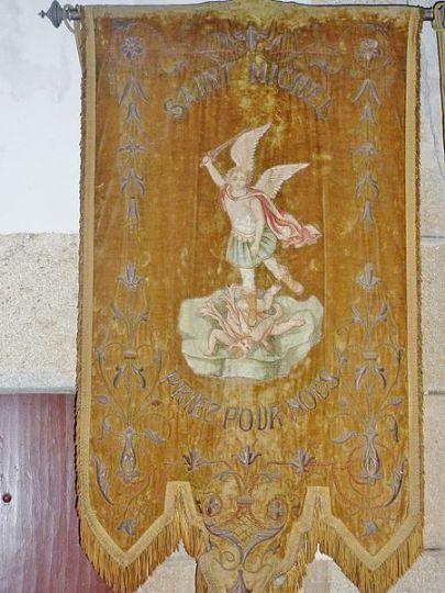 Bandera procesional de San Miguel Arcángel