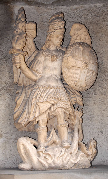 Miguel Arcángel venciendo a la bestia