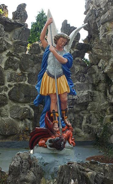 San Miguel Arcángel derrotando al maligno