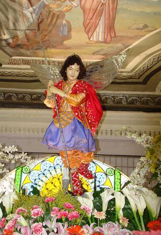 San Miguel Arcángel en procesión