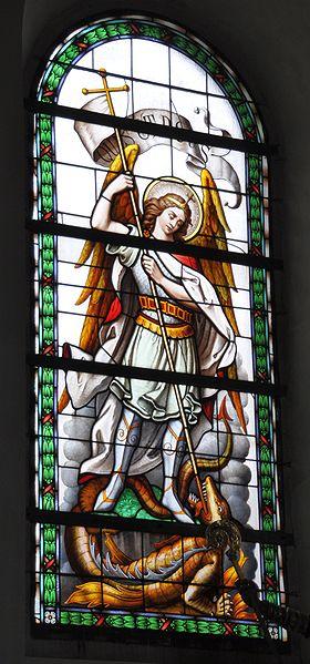 San Miguel Arcángel peleando con el dragón
