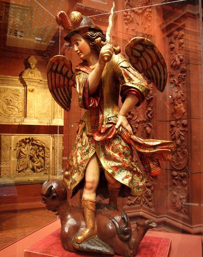 San Miguel Arcángel abatiendo a Lucifer
