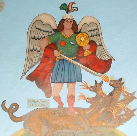 San Miguel Arcángel combatiendo contra el dragón de las 7 cabezas