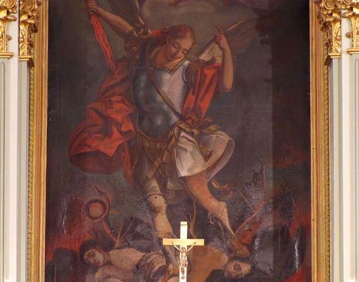 San Miguel Arcángel imponiéndose a los caídos
