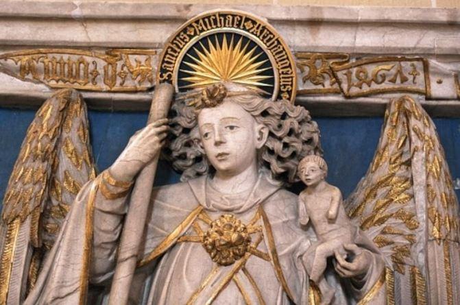 San Miguel Arcángel en Alabastro