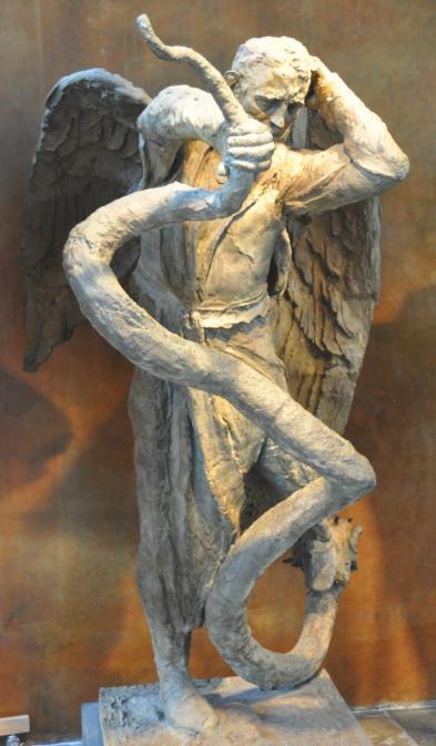 San Miguel Arcángel luchando contra la serpiente