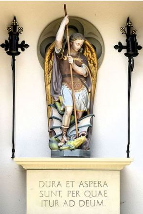 San Miguel Arcángel venciendo a la bestia_2