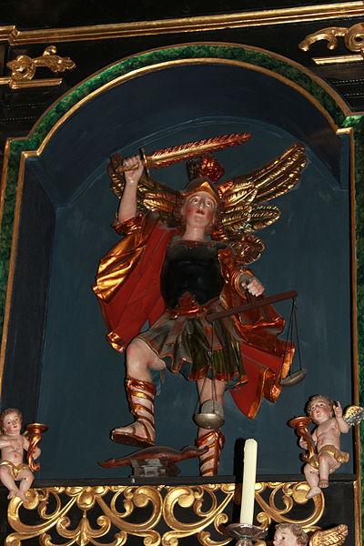 San Miguel Arcángel con la balanza