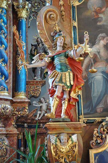 Arcángel Miguel como pesador de almas