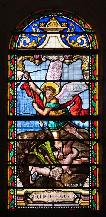 San Miguel Arcángel arrojando al infierno a Satanás