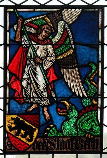 San Miguel Arcángel en combate contra el dragón