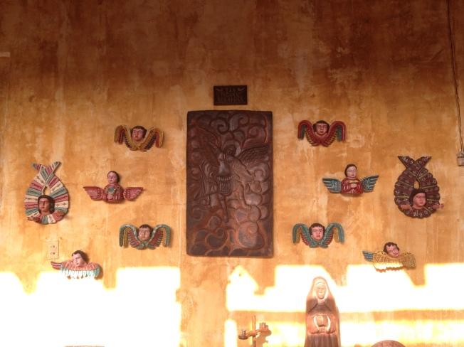 San Miguel y los coros celestiales