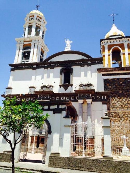Templo de San Miguel Arcángel en Cómala