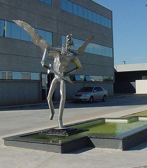 San Miguel Arcángel con su espada