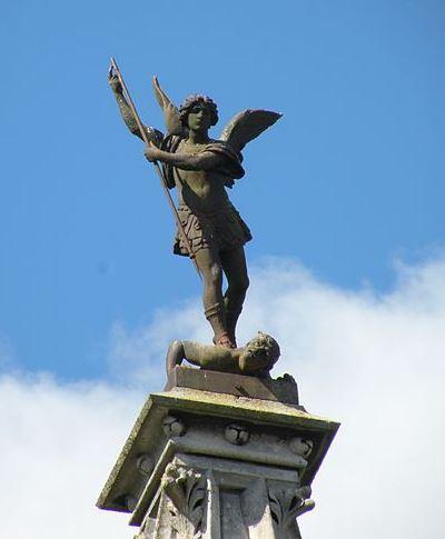 San Miguel Arcángel derrotando a Lucifer