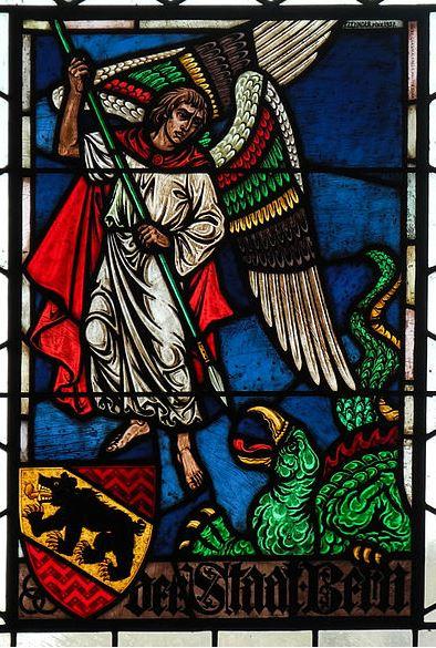 Arcángel Miguel derrotando al dragón_1