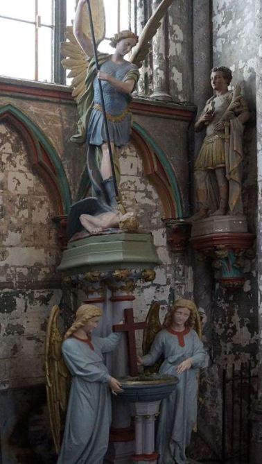 Estatua del arcángel San Miguel