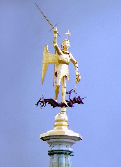miguel-arcangel-venciendo-al-dragon