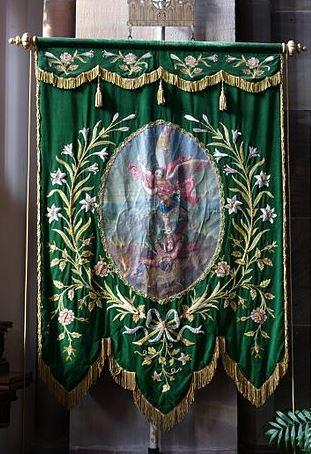 estandarte-de-san-miguel-arcangel