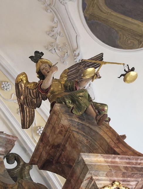 san-miguel-arcangel-pesador-de-almas